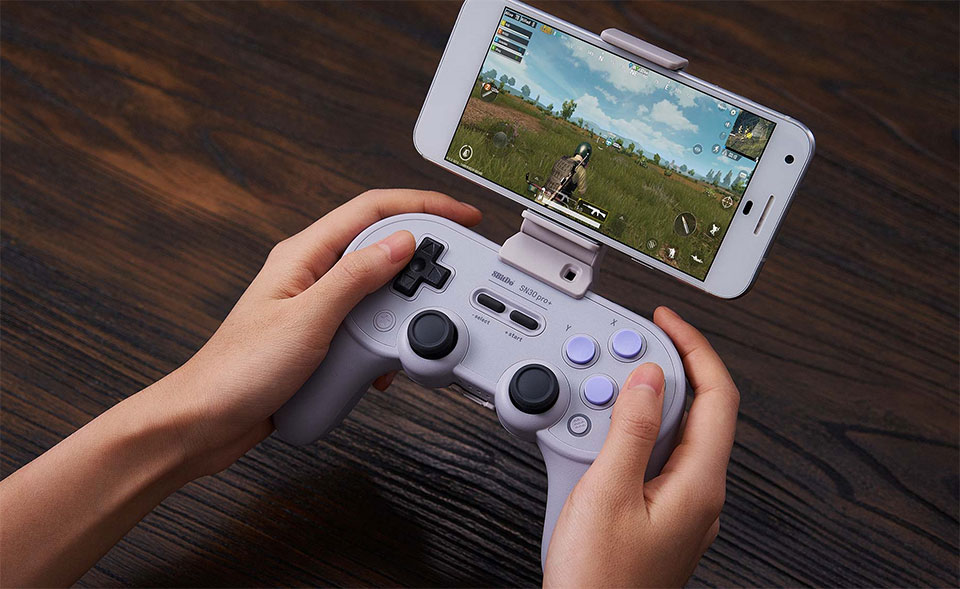 6 Best Mobile Game Controllers for Android and iPhone